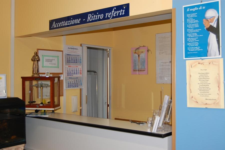 laboratorio-accettazione-e-ritiro-referti